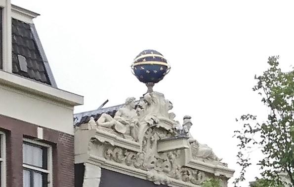 Roof art (2)